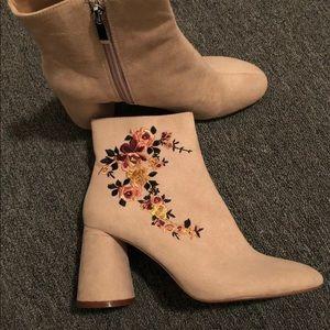 Zara Blush Pink Suede Heel Blush Ankle Boot sz 7.5